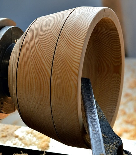 Wooden Bowl - Larch angle the tool rest in