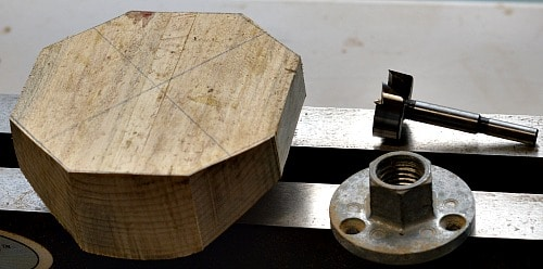 Preparation of the bowl blank and the extra tools used for the tea light. A forstner bit and a face plate.
