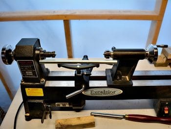 How to secure wood to your lathe