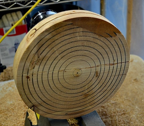 jig to hold the cedar trivet secure and centered on the lathe